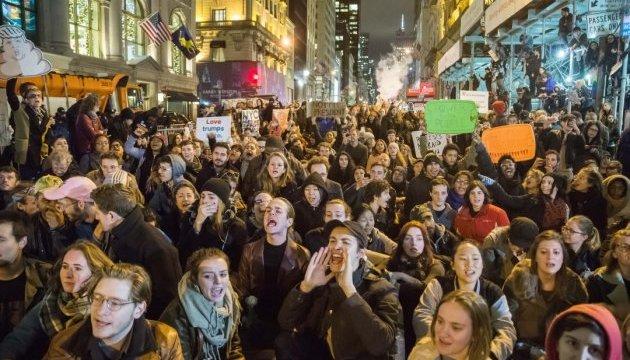 В Британии почти 90 тысяч человек готовы протестовать против визита Трампа - СМИ