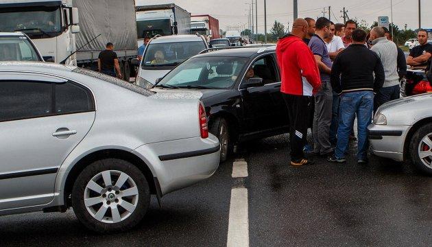 На кордоні з Польщею стоять 580 авто, найбільше – у «Рава-Руській»