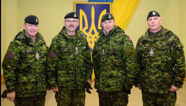 Канадський генерал відвідав рідне село в Україні