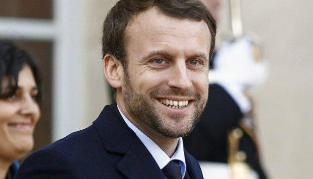 У кандидата в президенти Франції жбурнули яйце