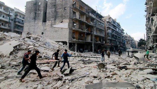 Авиация Асада сбросила на Алеппо кассетные бомбы: есть погибшие