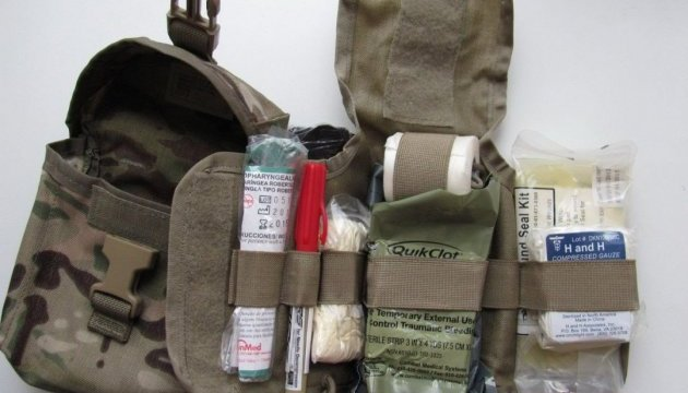 Військові не повинні платити за ліки з аптечок - Міноборони