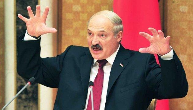 Лукашенко недоволен поведением РФ: поручил искать замену российской нефти