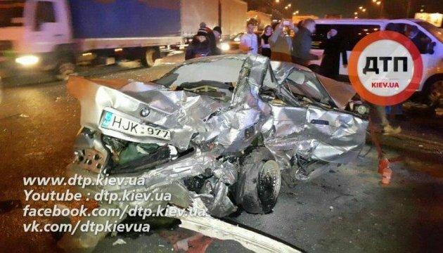 Страшное ночное ДТП в Киеве: есть погибшая