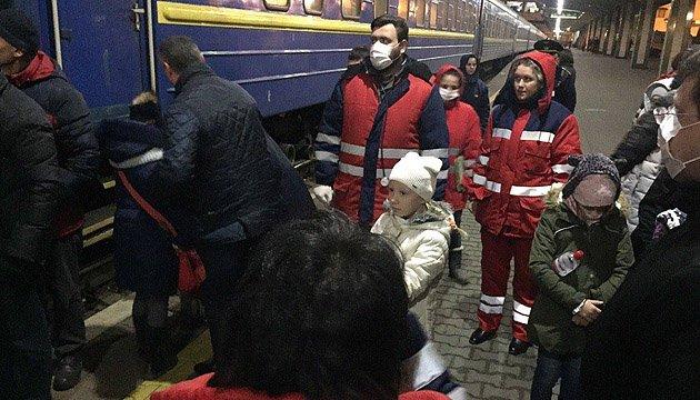 В Киеве с поезда сняли 18 детей с тяжелым отравлением