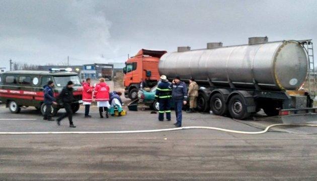 Под Николаевом авто с военными врезалось в бензовоз: погибли трое бойцов
