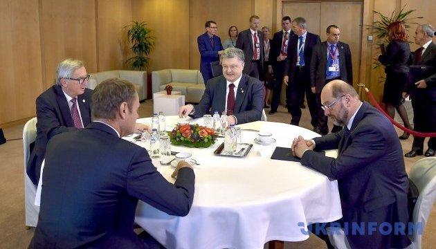 Порошенко провів переговори тет-а-тет з лідерами ЄС