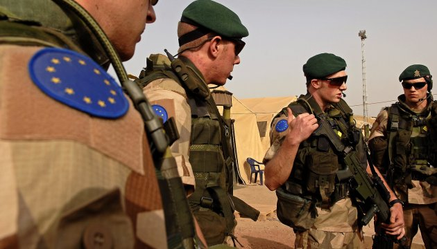 ЕС планирует существенно увеличить расходы на оборону - FT