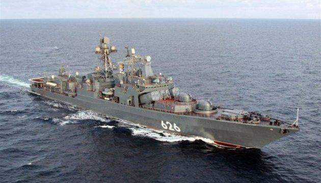 РосЗМІ повідомляють, що їх бойовий корабель врятував українських рибалок
