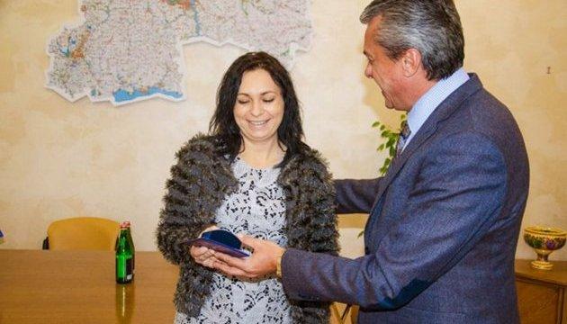 У Дніпрі нагородили французьку волонтерку за допомогу лікарням