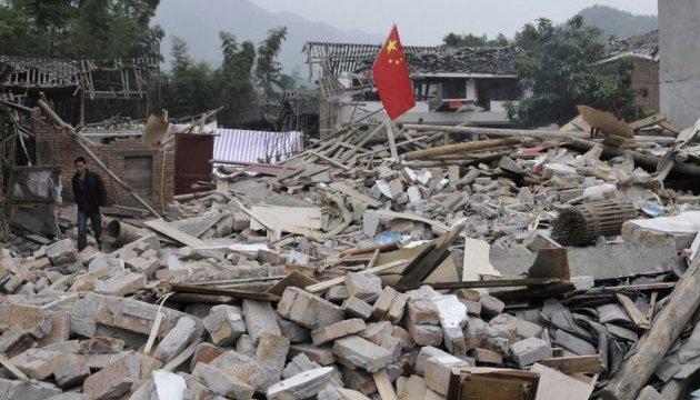 У Китаї стався потужний землетрус, є загиблий