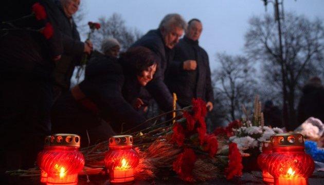 У Вінниці вшанували пам'ять жертв голодоморів