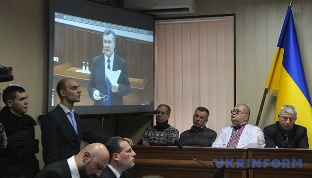 Адвокати Януковича просили Печерський суд приїхати в Росію