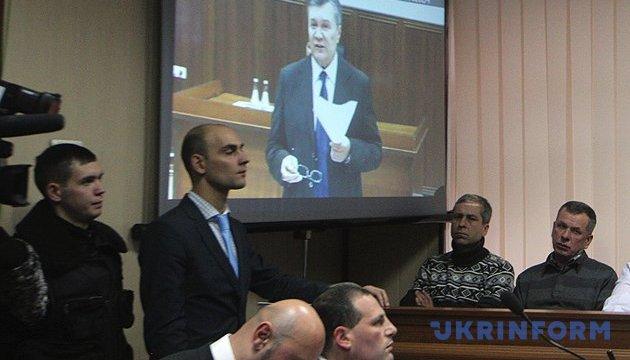 Суд дозволив затримати Януковича – Луценко