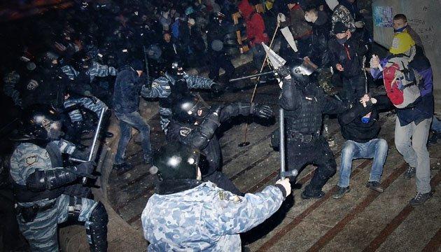 Побиті на Майдані журналісти кажуть, що їхні справи