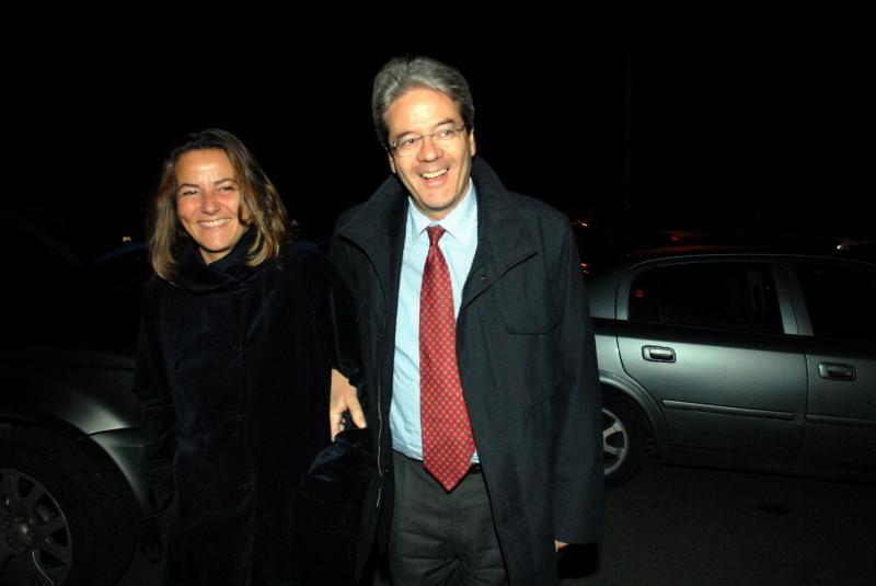 Паоло Джентілоні зі своєю дружиною Емануеле Мауро