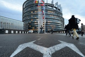 Майские выборы в Европарламент могут произойти с Британией
