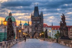 Чехия объявила локдаун из-за COVID-19