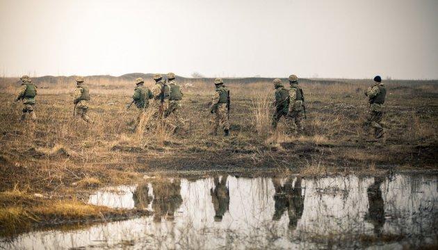 Donbass: Besatzer setzen 122-mm Artillerie und Mehrfachraketenwerfer ein