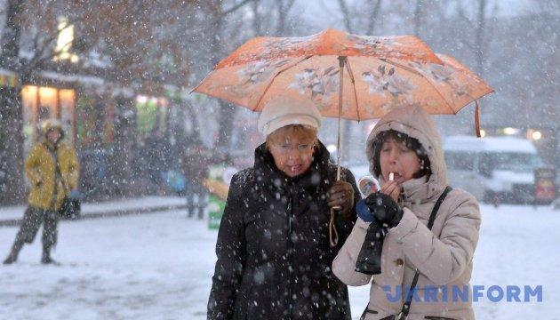 Українців чекає в неділю сніг і ожеледь