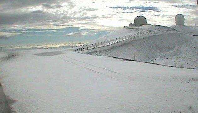 На Гавайях выпал почти метровый слой снега