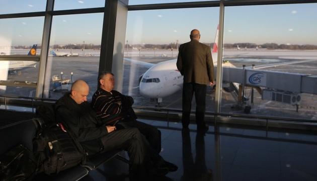 В київських аеропортах до відповідальності притягнули майже сотню порушників