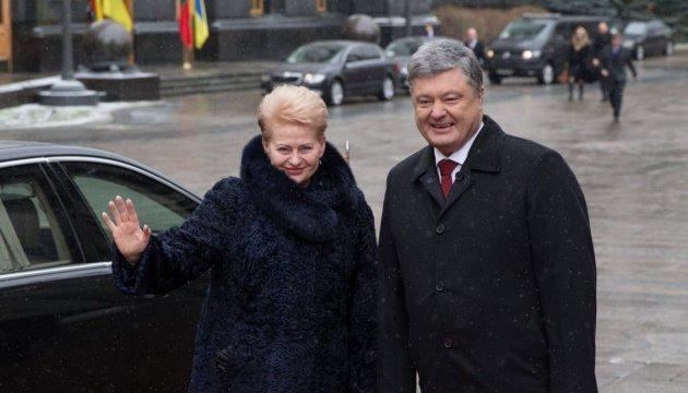 Україна і Литва домовилися про координацію дій щодо енергетичної безпеки - Порошенко