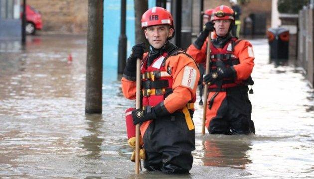 У Лондоні через прорив магістральної труби затопило 150 будинків