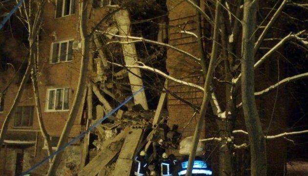 З-під завалів гуртожитку у Чернігові витягли підлітка