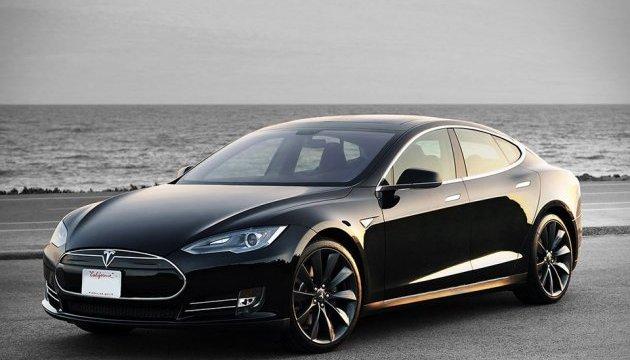 Маск відкликав багатотисячну партію електромобілів Tesla