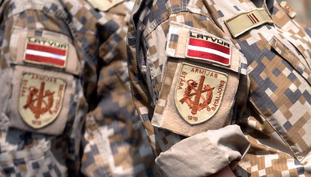 Латвия в 2018 году выделит на оборону 2% ВВП - глава МИД