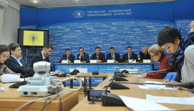Опіка українських заробітчан за кордоном: як це має бути?