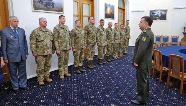 Полторак вручив нагороди військовим медикам