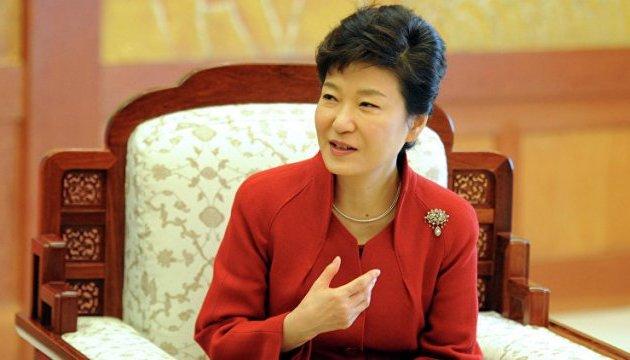 Следователи подтвердили, что президент Южной Кореи брала взятки