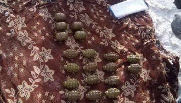 Біля стратегічного заводу знайшли схрон з двома десятками гранат