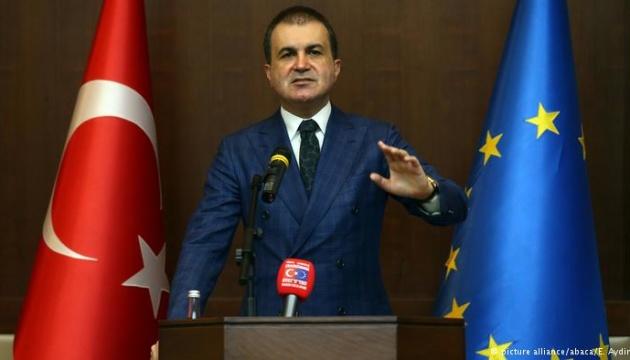Туреччина відмовляється брати біженців з Сирії, які прямують в Європу