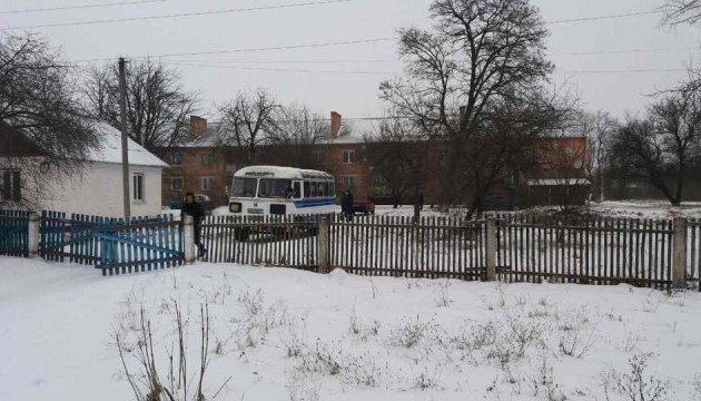 На Полтавщині зафіксували підвезення виборців на дільницю
