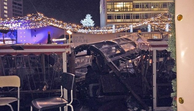 Берлін: внаслідок можливого теракту загинули не менше 9, поранено близько 50 осіб