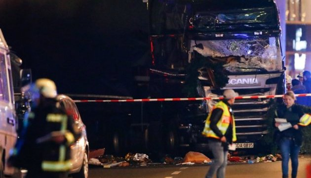 """Польський власник """"берлінської"""" вантажівки стверджує, що її викрали терористи"""