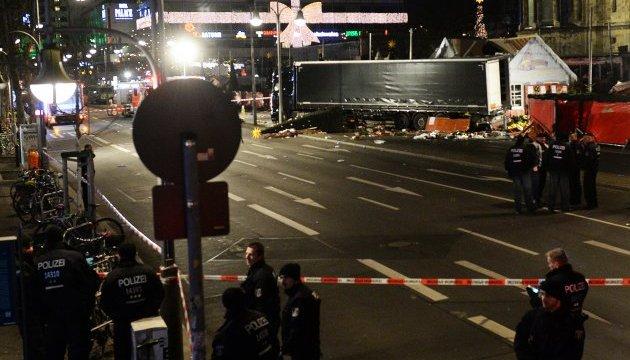 Меркель назвала терактом трагедію в Берліні