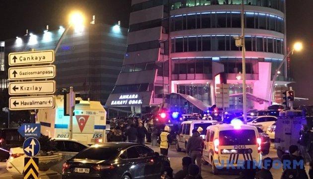 Манчестер: поліція відпустила трьох затриманих у справі про теракт