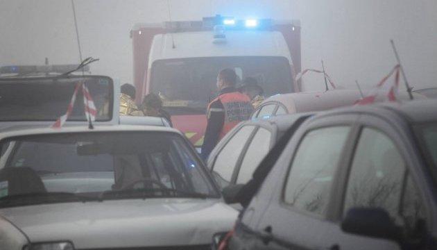 ДТП із 30 автівками на заході Франції: шестеро загиблих