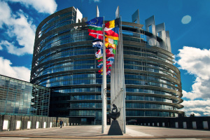 Soft power of democracy: EP wants to neutralize 'Putin's friends'