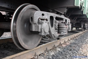 На Київщині чоловіка збив вантажний потяг