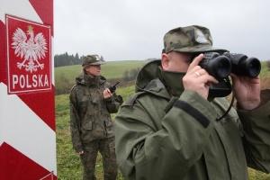 Польша увеличит число военнослужащих на границе с Беларусью