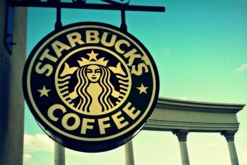 Starbucks закриє понад 400 кафе в Північній Америці
