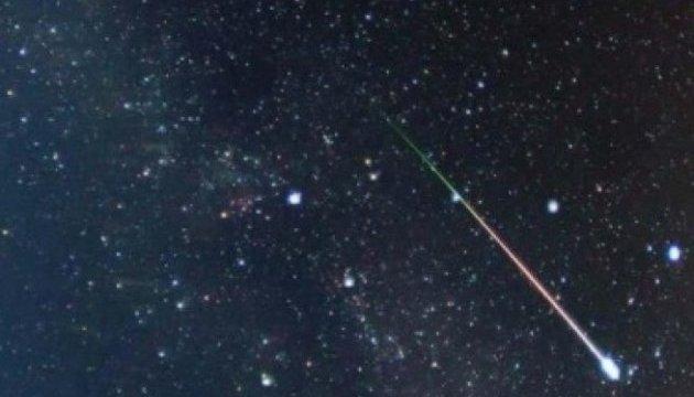 Завтра ночью земляне смогут увидеть в небе метеорный поток