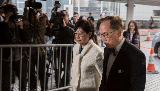 Екс-главу адміністрації Гонконгу судять за корупцію