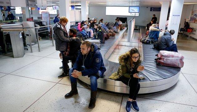 Зламаний літак Аерофлоту на добу заблокував аеропорт Калінінграда