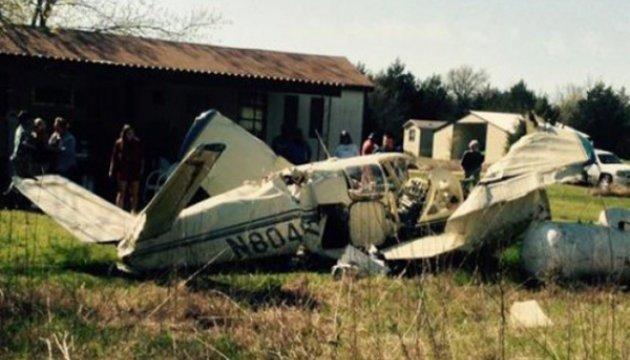 Двое взрослых и младенец выжили в авиакатастрофе в Висконсине